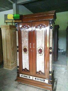 Lemari Pakaian Pintu 2 Jati Ukir Warna motif Marmer